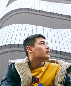 Kang Ha Neul shows up in the fashion pages of the January issue for Singles with images taken in Tokyo. Check it out! Kang Haneul, Kim So Eun, Yoo Ah In, Korean Wave, Moon Lovers, Love Affair, Korean Actors, Korean Singer, Actors & Actresses