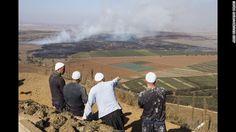 U.N. peacekeepers under fire on Golan Heights; 44 held by militants