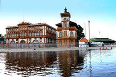 Manaus (AM) - Prédio da Alfandega,junho de 2012. Manaus enfrenta a maior enchente já registrada na história da cidade  http://italianobrasileiro.blogspot.com/