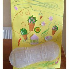 """Se você quer criatividade confie em uma criança - A História por trás do desenho .."""" - Mamãe posso colocar esse adesivo no cartão do Papai?"""" (A criança no banheiro) ...... - Claro (a mãe no quarto)"""" por Sarah Dempster  #materniarte #TinhaQueCompartilhar #morri"""