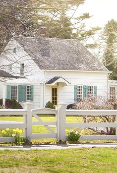 Pretty white cottage with blue shutters! Cottage Living, Cottage Homes, Cottage Style, Little White House, Little Houses, Yellow Doors, Cottage Exterior, Cabins And Cottages, White Cottage