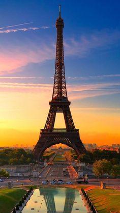 ✯ Eiffel Tower in Paris