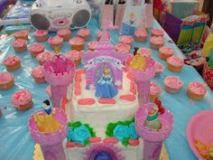 Castle cake. Princess Cinderella. Cinderella Party! Disney Princess!