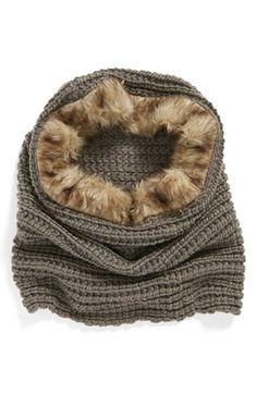 David & Young Faux Fur Trim Knit Snood http://rstyle.me/n/d4uqrr9te