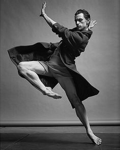 O Sergei Polunin χοεύει για το «Numéro Homme»