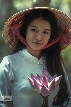 #hangtran #vietnamese #beauty Portrait Vietnamese Girl by Lê Hiếu / 500px