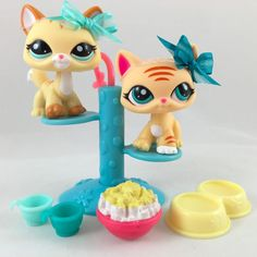 "Littlest Pet Shop Pair of Yellow ""Walking"" Cats #1572 #2034 w/Perch Accessories #Hasbro"