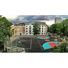 Official opening tonight at 18:00. #trafotaket #streetbasket #oslo