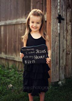bonita idea para que recuerden los ninnos cuando recibieron a Jesus en su corazon :)