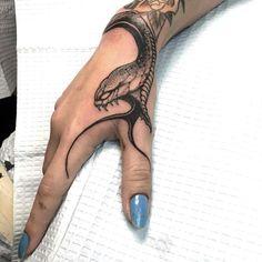 Hand Tattoos for Women . Hand Tattoos for Women . Tattoos Motive, Muster Tattoos, Body Art Tattoos, Girl Tattoos, Tatoos, Chicano Tattoos, Tattoo Main, Smal Tattoo, Unique Tattoos