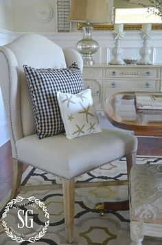 SUMMER HOME TOUR-Dining room-chairs-starfish-pillows-stonegableblog.com