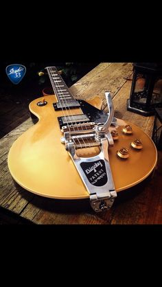 Happy #Gibsunday! Check out this 1957 #Goldtop Reissue #LesPaul from @classic_guitars_and_amps Learn to play guitar online at www.Studio33GuitarLessons.com
