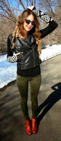 Adorable knitted sleeve black leather moto jacket