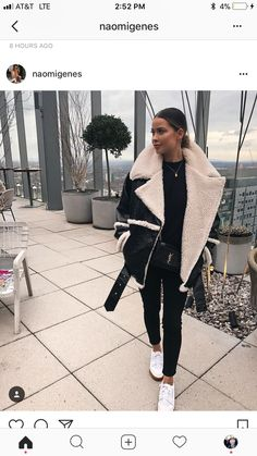 44 Super schwarze Jeans Winter Outfits Ideen - Things I love - Mode Outfits, Jean Outfits, Fashion Outfits, Fashion Ideas, Office Outfits, Fashion Styles, Fashion Trends, Trendy Outfits, Black Women Fashion