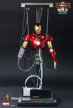Hot Toys : Iron Man - Mark III (Construction Version) 1/6th scale Collectible