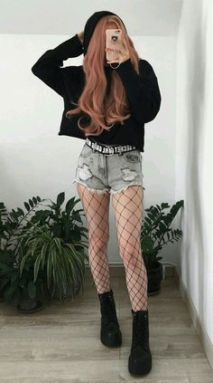 Black hoodie with denim ripped shorts, oversized fishnet tights & platform boots. - Black hoodie with denim ripped shorts, oversized fishnet tights & platform boots. Edgy Outfits, Mode Outfits, Girl Outfits, Fashion Outfits, Fashion Boots, Hipster Outfits, Fashion Ideas, Cute Grunge Outfits, Korean Outfits