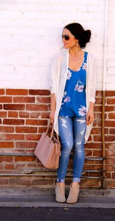 skinny jeans distressed style with summer kimono