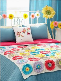 Gerber Daisy Afghan and Pillow