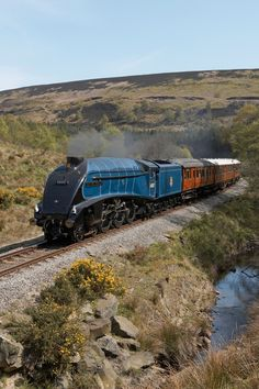 Photograph by phil wright 60009 Sir Nigel Gresley seen on the NYMR fresh from a repaint into BR lined blue livery. Diesel, Old Steam Train, Steam Railway, Bonde, Train Times, Train Art, Train Pictures, British Rail, Old Trains