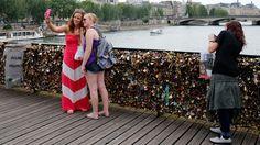 Paris Hopes a Hashtag Can Keep Love Locks Off the Bridges