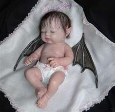 A baby vampire doll. This is too cute. Now I could see mh draculaura doll running around with this. My daughter might flip though. The blonde in the pic. Ooak Dolls, Reborn Dolls, Reborn Babies, Halloween Doll, Holidays Halloween, Halloween Decorations, Scary Dolls, Barbie, Horror