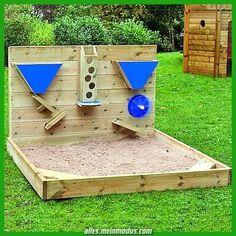 Hölzerne Sandwand im Freien Hölzerne Sa… Outdoor wooden sand wall Outdoor wooden sand wall Kids Outdoor Play, Outdoor Play Areas, Kids Play Area, Backyard For Kids, Diy For Kids, Kids Sandbox, Sandbox Diy, Outdoor Classroom, Backyard Playground