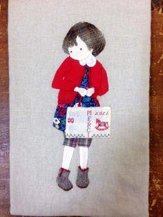 おシャレして・・赤いカーディガンの女の子 - パッチワークキルト・手芸キットのゆう風舎 Net Shop