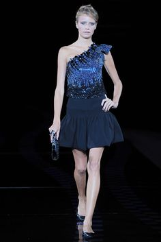 Giorgio Armani Spring 2010 Ready-to-Wear - Collection - Gallery - Style.com