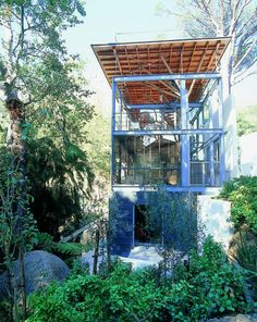 Contemporary Tree House in Cape Town, South Africa designed by Van Der Merwe Miszewski Architects