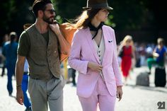 It's not an easy to make a vest look totally modern, but the street style stars of Pitti Uomo this year were up to the challenge. Here, a closer look. Star Fashion, Fashion News, Mens Fashion, Matches Fashion, Fashion Looks, Street Style Blog, Street Chic, Canadian Girls, Stylish Couple