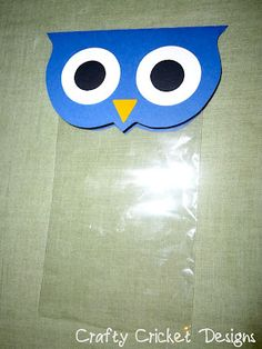 Time for some more adorable owls! A couple of weeks ago, my friend asked me if I could come up with something that she could use as party . Owl Party Decorations, Owl Party Favors, Party Favor Bags, Owl Themed Parties, Owl Parties, Owl Crafts, Easy Paper Crafts, School Gifts, Student Gifts