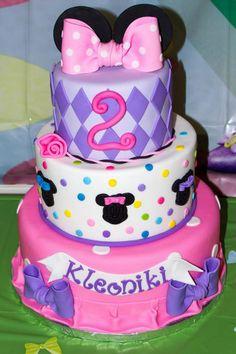 Minnie Mouse Bowtique cake made by Cake Me Away Cakery www.facebook.com/cakemeawaycakery