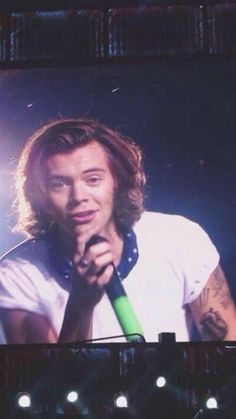 8.22.14  Harry Styles ❥ smiled at the camera and it felt like he was smiling right at me!!!!!!