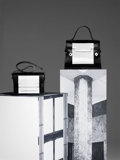 Discover the new Delvaux handbags collection for the Fall-Winter 2015 season exclusively on CRASH Magazine / Daily fashion, art, cinema news on CRASH.FR