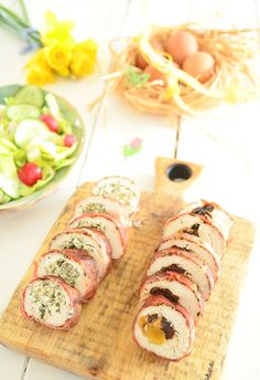 Roladka z piersi kurczaka na dwa sposoby: bakaliowy i ziołowy