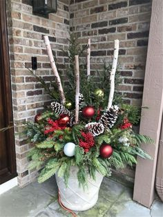 Christmas decorations Amazing Front Porch Christmas Decorating Ideas, Winter pots, Christmas Decor Outdoor,Christmas Outdoor Container, Th. Christmas Urns, Outside Christmas Decorations, Christmas Lights, Christmas Wreaths, Outdoor Decorations, Outdoor Ideas, Vintage Christmas, Holiday Decorations, Outdoor Christmas Decor Porches