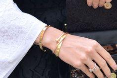 bracelet clou pas cher. Nous avons un véritable coup de coeur pour ce bracelet clou or pas cher. Ce Bracelet tendance 2016 est à porter sans fin.