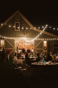 Spring details and all the cozy intimate vibes at Chloé and Ryan's wedding - a perfect celebration of love at his parent's house in Franklin, Tennessee. Spring Wedding, Boho Wedding, Dream Wedding, Franklin Tennessee, Wedding Inspiration, Wedding Ideas, Elopement Ideas, Nashville Wedding, Couple Posing