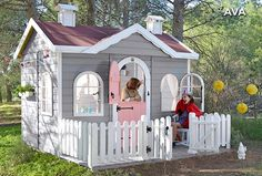 Casita de madera para niños con terraza AVA
