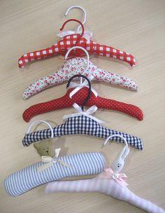 perchas forradas para bebé by La Bambolina 100% handmade, via Flickr
