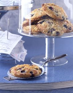 Blueberry Muffin Tops:  Ingenious! Cause really, who wants the bottom of the muffin when you can have the tops?? :D