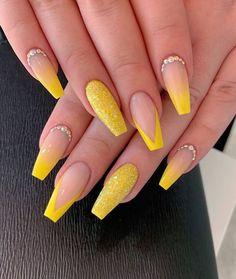 nails yellow and black . nails yellow and gray . nails yellow and white . nails yellow and blue Aycrlic Nails, Glitter Nails, Coffin Nails, Yellow Nails Design, Yellow Nail Art, Summer Acrylic Nails, Best Acrylic Nails, Acrylic Nail Designs For Summer, Acrylic Nails Yellow