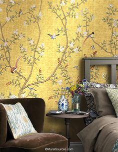Nanjing Gold chinoiserie mural is a golden scene with pastel peonies and colorful birds gathered around a peaceful pond. Hand Painted Wallpaper, Bird Wallpaper, Wallpaper Decor, Custom Wallpaper, Gold Chinoiserie Wallpaper, Bedroom Wallpaper Designs, Asian Wallpaper, Designer Wallpaper, Houses