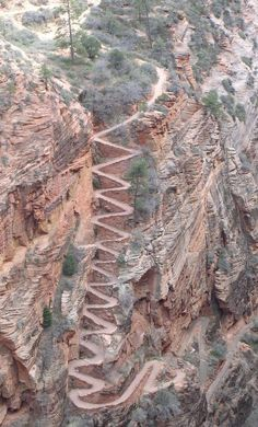 Walter's Wiggles, Zion National Park, Utah, USA. They are part of the trail ascent to the top of Angel's Landing. The wiggles are named after Walter Ruesch, who was the first superintendent for Zion National Park and constructed the switchbacks in 1926 Places To Travel, Places To See, Places Around The World, Around The Worlds, Belle Image Nature, Zion National Park, Zion Park, Parcs, Death Valley