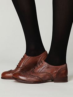 Love the new vintage wingtip style. Saw it in London, England and fell in love.