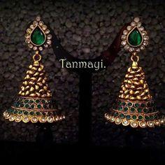 Gold Jhumka Earrings, Jewelry Design Earrings, Gold Earrings Designs, Gold Jewellery Design, Diamond Jewellery, Diamond Bracelets, Silver Jewelry, India Jewelry, Temple Jewellery