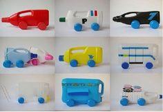 coches de juguetes hechos con botellas de plástico