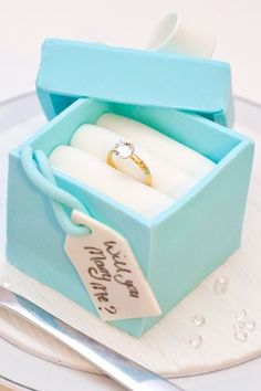 A Cake To Say 'Yes' - Who could say no to this gorgeous proposal cake?  a lovely idea from  www.gccouture.co.uk