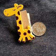 Giraffe wooden clip