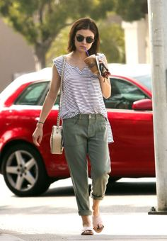 Como ser casual e estilosa com Lucy Hale - Guita Moda Summer Outfits, Casual Outfits, Fashion Outfits, Womens Fashion, Laid Back Outfits, Luci Hale, Lucy Hale Outfits, Lucy Hale Style, Outfits Damen